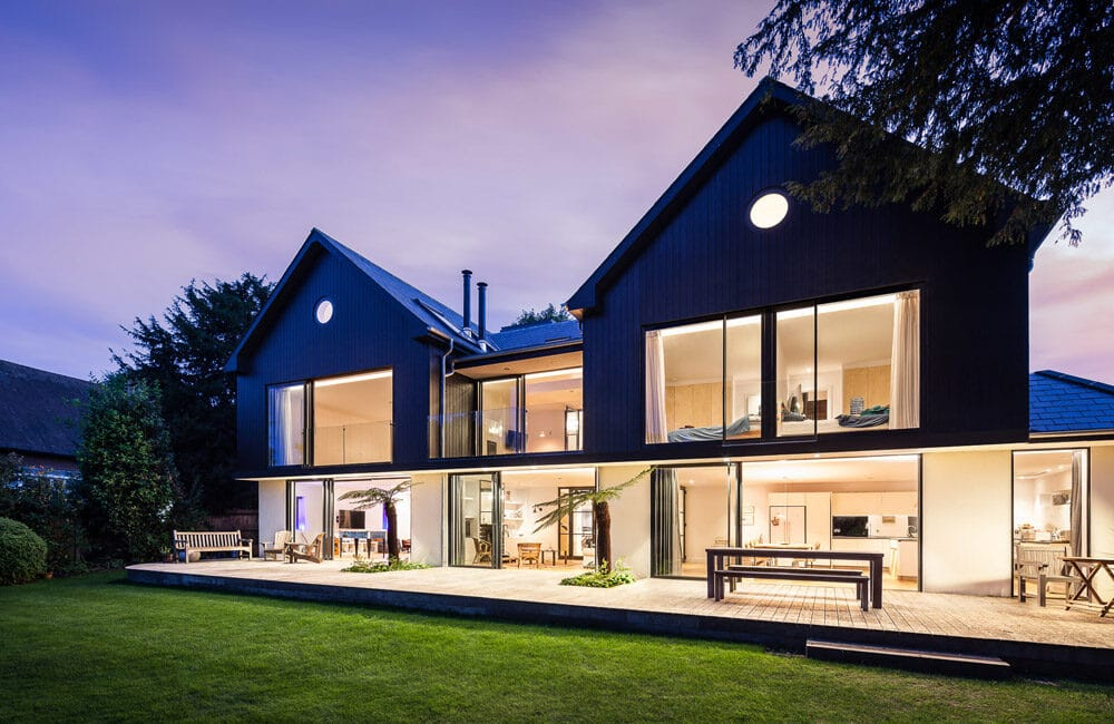 Large extension to 1980s bungalow on the banks of the Thames