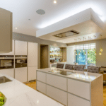 Thumbnail of http://large%20modern%20kitchen%20with%20island