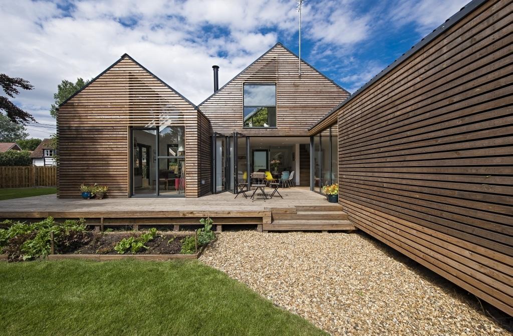 modern house with bifold doors on to balncony