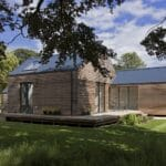 Thumbnail of http://modern%20house%20with%20bifold%20doors%20in%20daytime