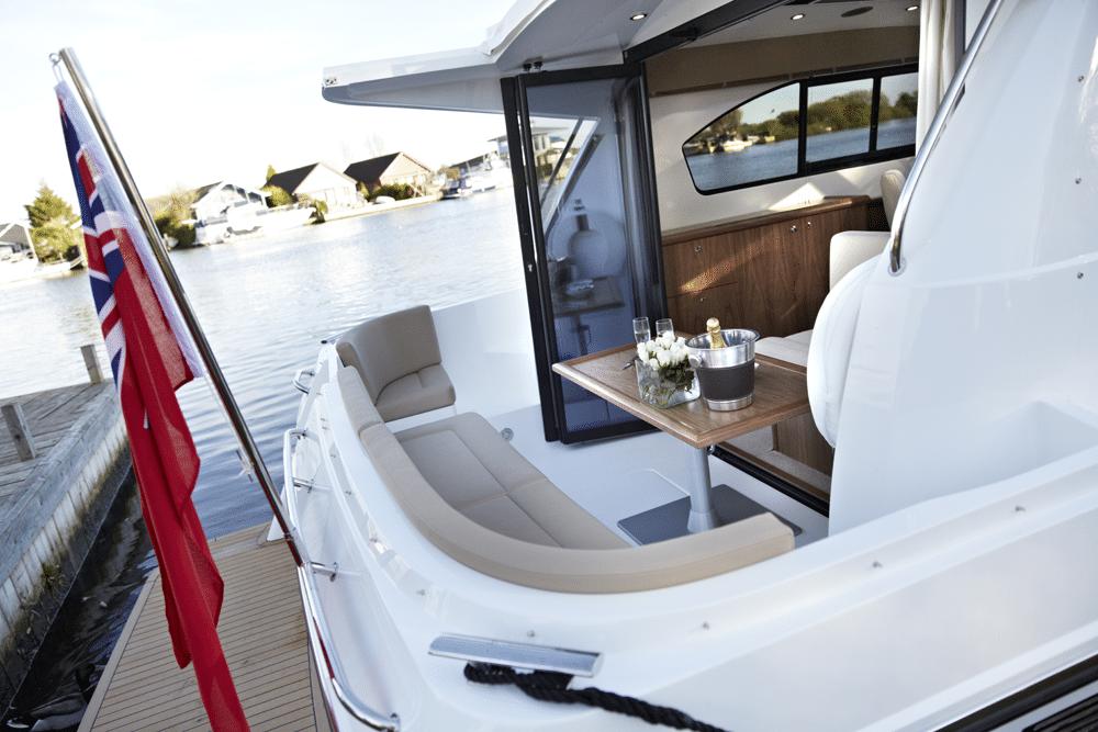 sliding door on boat