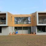 Thumbnail of http://modern%20house%20with%20bifold%20doors
